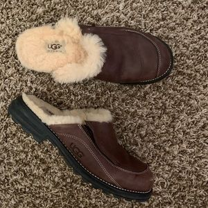 UGG Australia slip on mules clogs shoes 9
